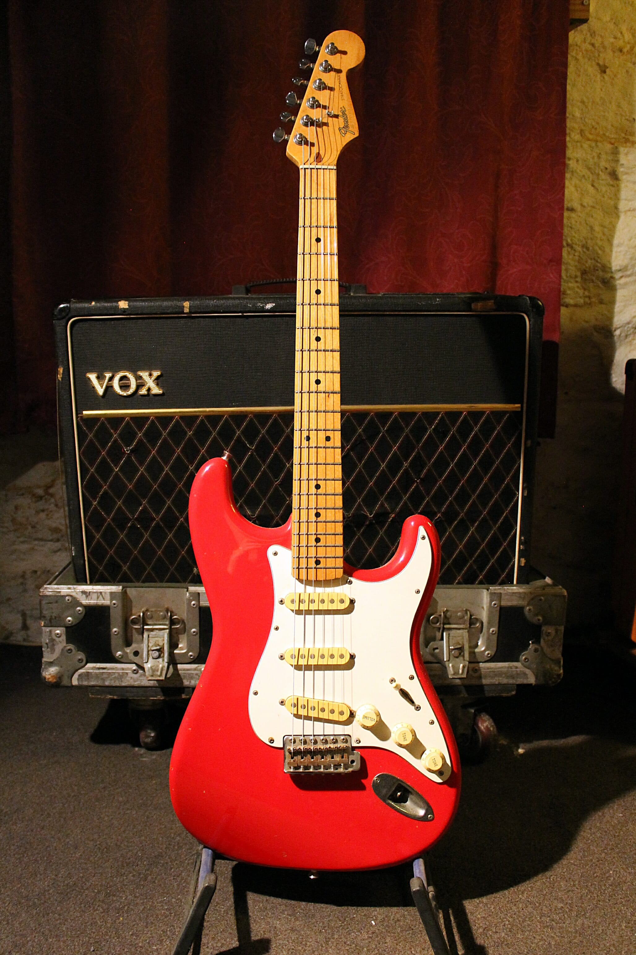 Fender Strat H 035317 (Red) - Dare's Guitar