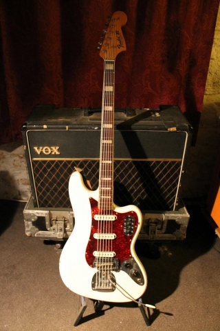 Fender VI 6-String Bass 545215 (White)